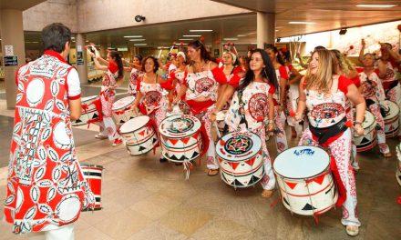 03-08 All-female band Batalá at Pontão do Lago Sul