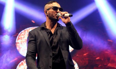 04-06 Pagode singer Belo in Brasília