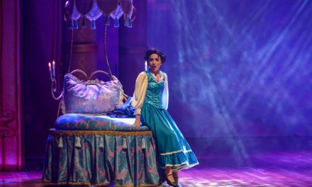 04-14 A Bela e a Fera (Beauty and the Beast – The Musical)