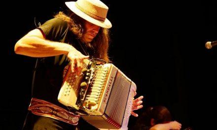 06-07 Instrumentalist Renato Borghetti at Clube do Choro