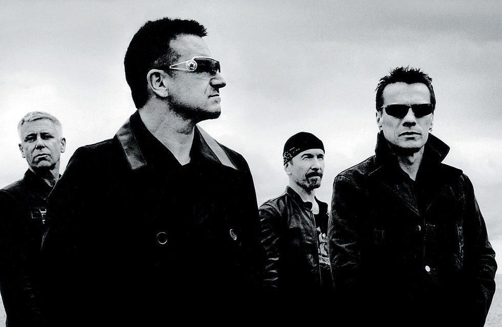 U2 cover band performs at Teatro dos Bancários