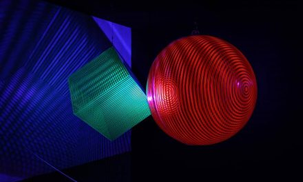 "The exhibition ""O Ritmo do Espaço "" brings works of kinetic movement."