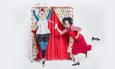 "Clown presentation ""Inesperável Público"" at Brasilia Shopping"