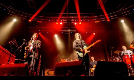 Dire Straits Legacy performs in Brasília