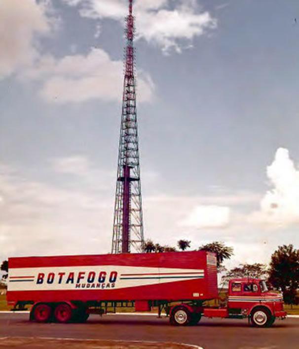 Caminhão na Torre