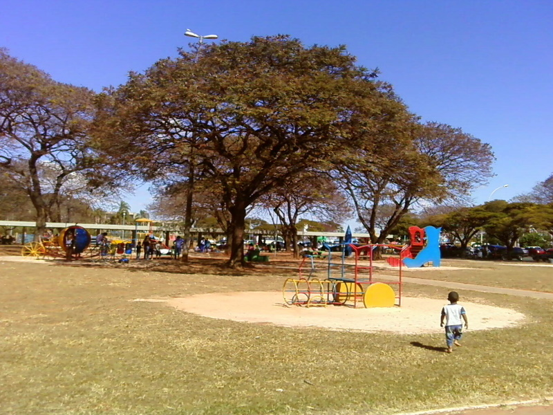 DF government opens its parks and allows religious establishments to open their doors again.