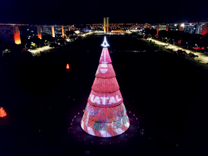 The Government of the Distrito Federal sets events and decorations to celebrate the Holiday season.