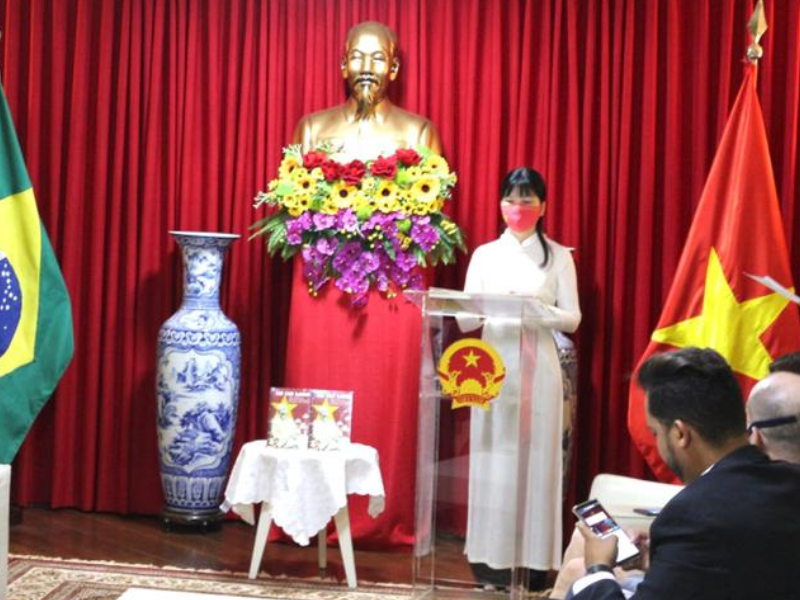 Embassy of Vietnam celebrates book launch on HO CHI MINH